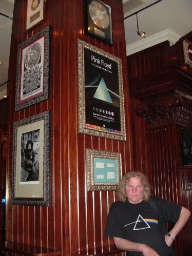 Hard Rock Cafe Barcelona 31 Pink Floyd.jpg