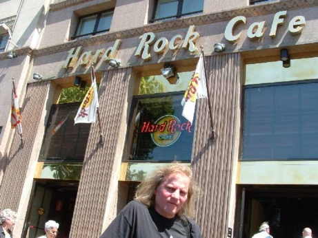Hard Rock Cafe Barcelona 33 Front.jpg
