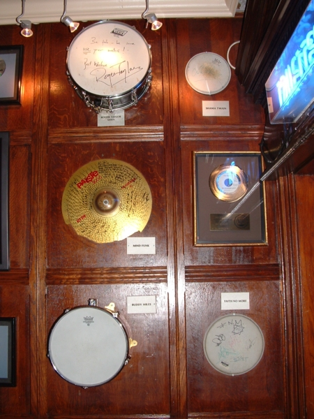 Hard Rock Cafe Paris 28 Drums Roger Taylor.jpg