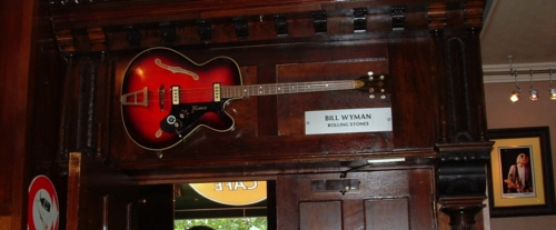 Hard Rock Cafe Paris 37 Bill Wyman.jpg