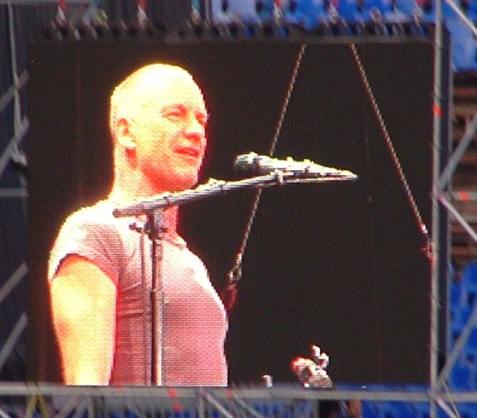 Sting Live In Sofia 7.06.2011 009 Small.jpg