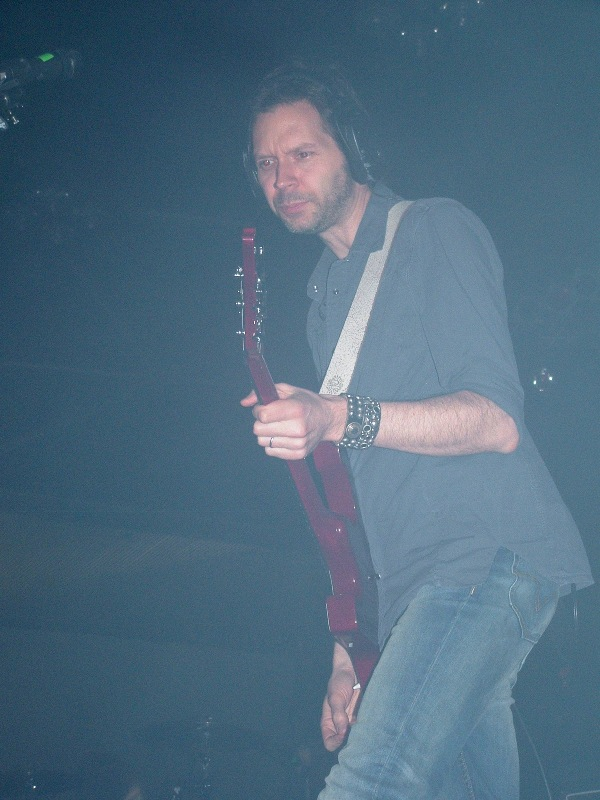 Mr. Big 15.06.2011 Festivalna 015 Paul Gilbert.jpg