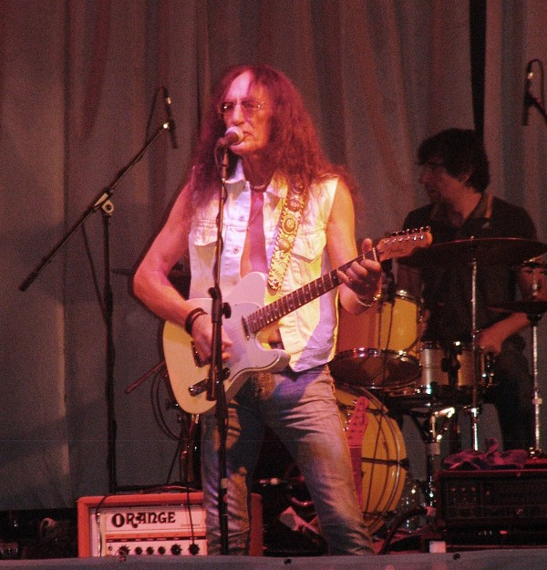 Sunrize with Ken Hensley, Sofia, PSArmia 24.06.2011 033 Small.jpg