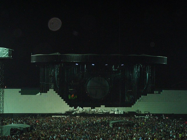 Roger Waters - The Wall Sofia 132 Small.jpg