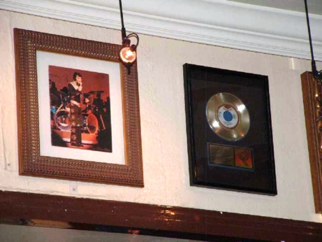 Hard Rock Cafe Barcelona 23 Elvis.jpg